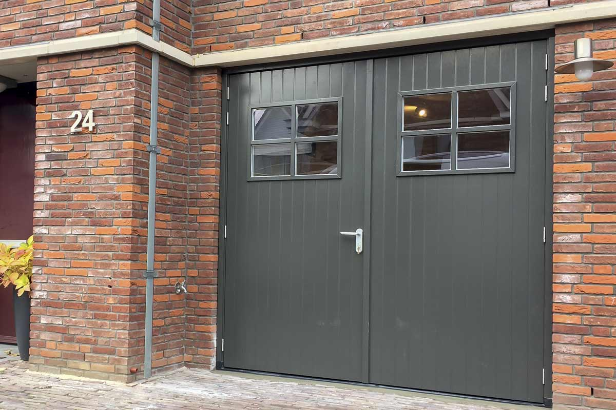 Bedwelming Houten openslaande garagedeuren » Stijlvolle uitstraling & Mooie @RM59
