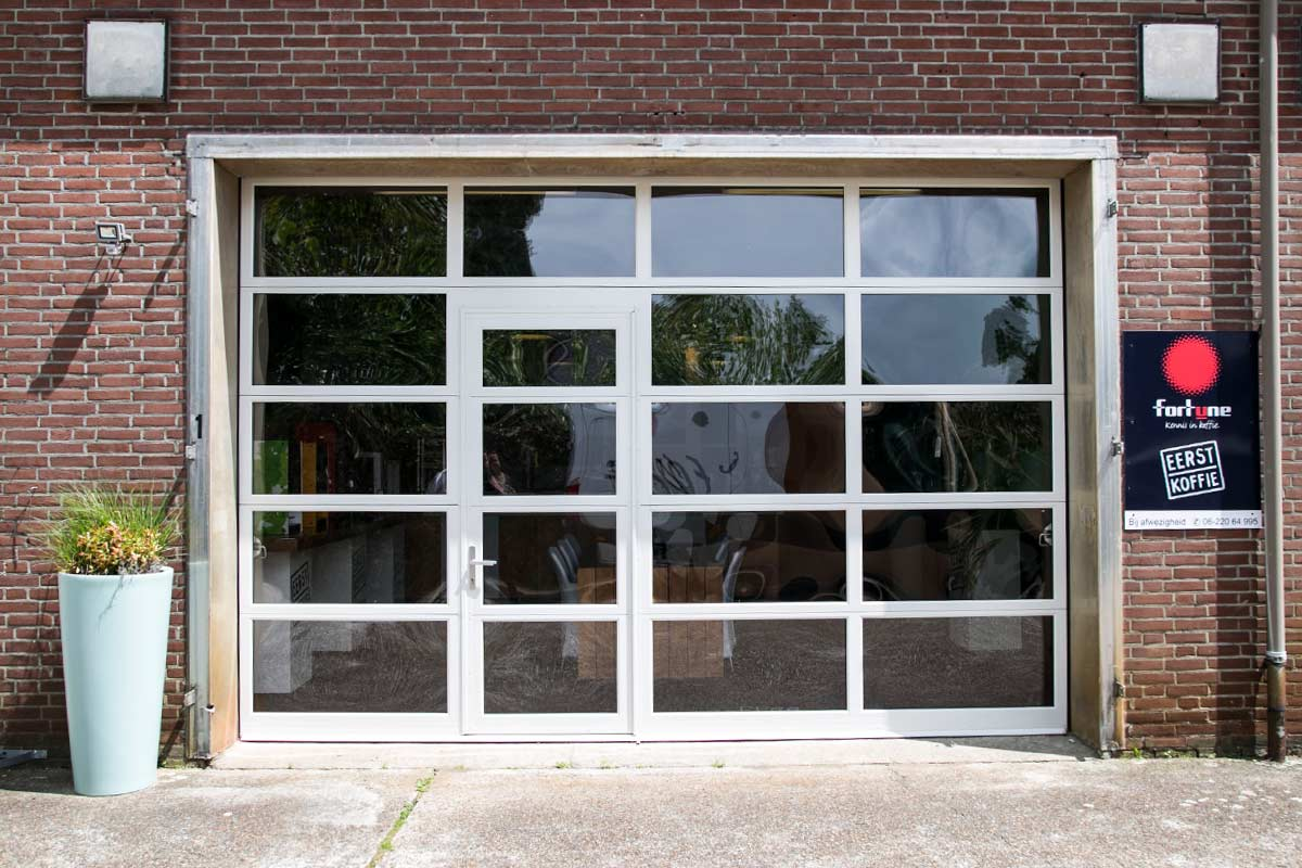 bedrijfsdeuren-glas-loopdeur