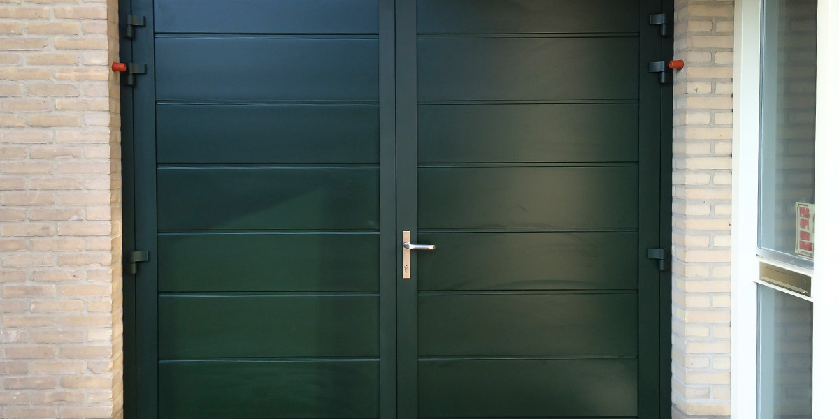 groene-onderhoudsvrije-garagedeur