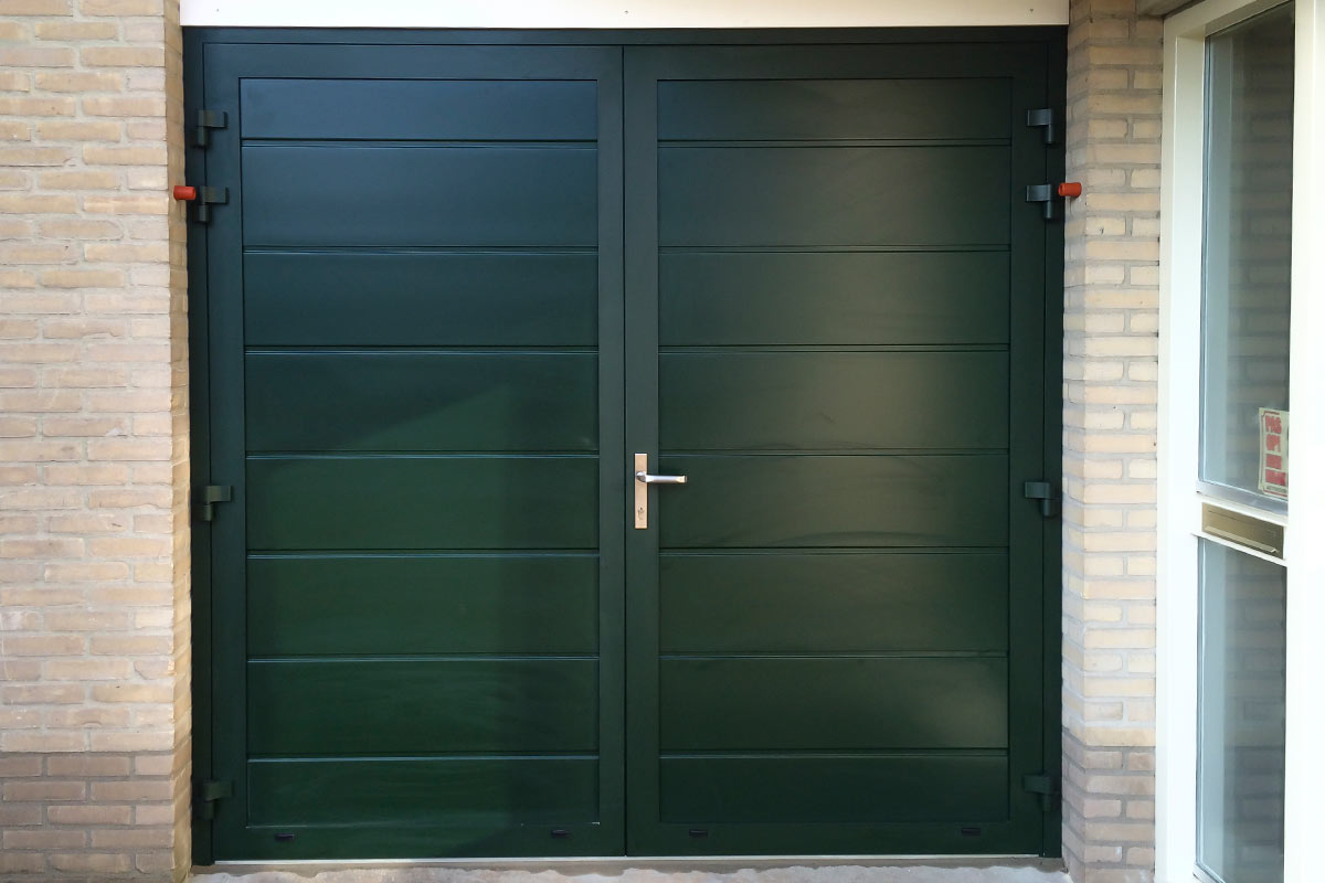 groene-onderhoudsvrije-garagedeur-5