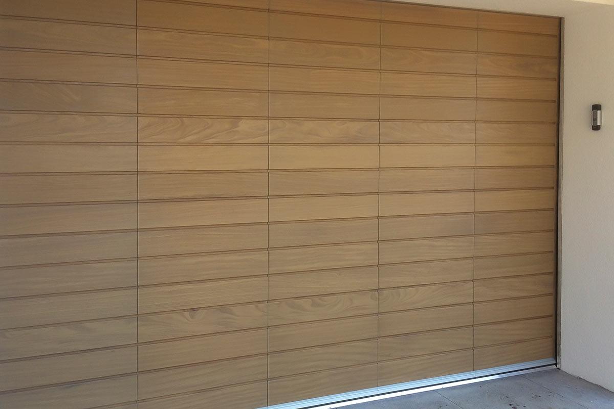 houten-zijwaartse-sectionaaldeur-2