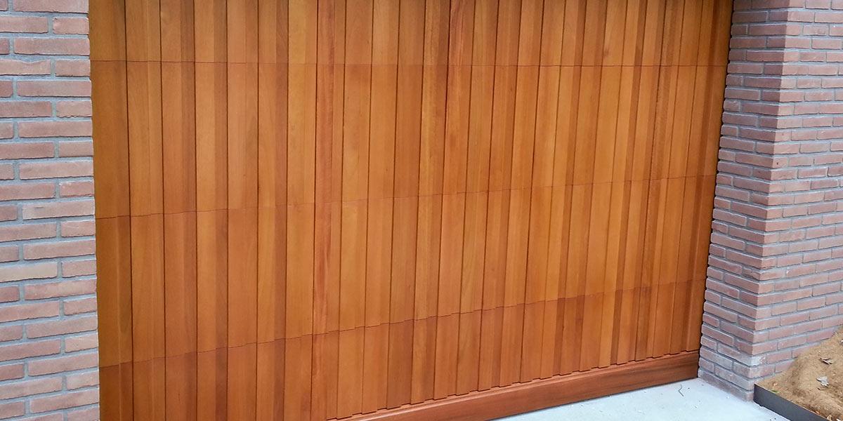 sectionaaldeur meranti hout