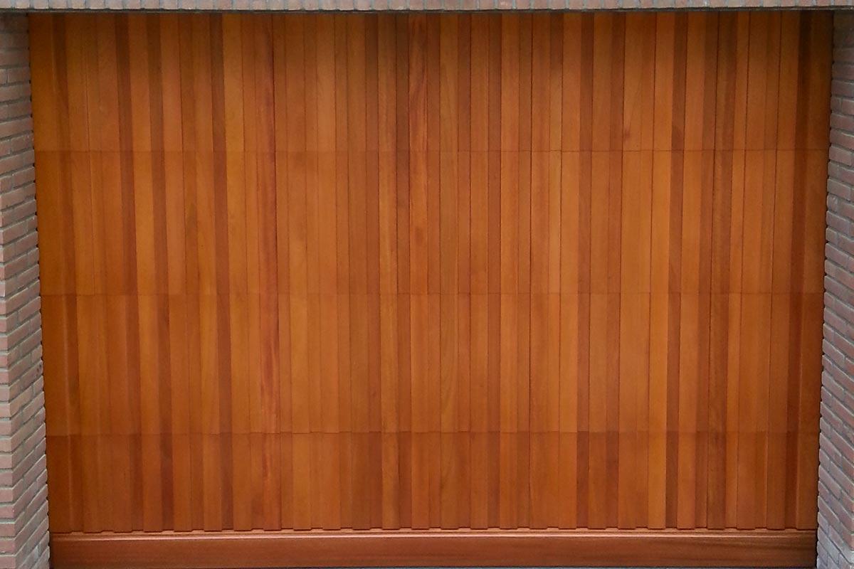 Meranti-houten-sectionaaldeur-2