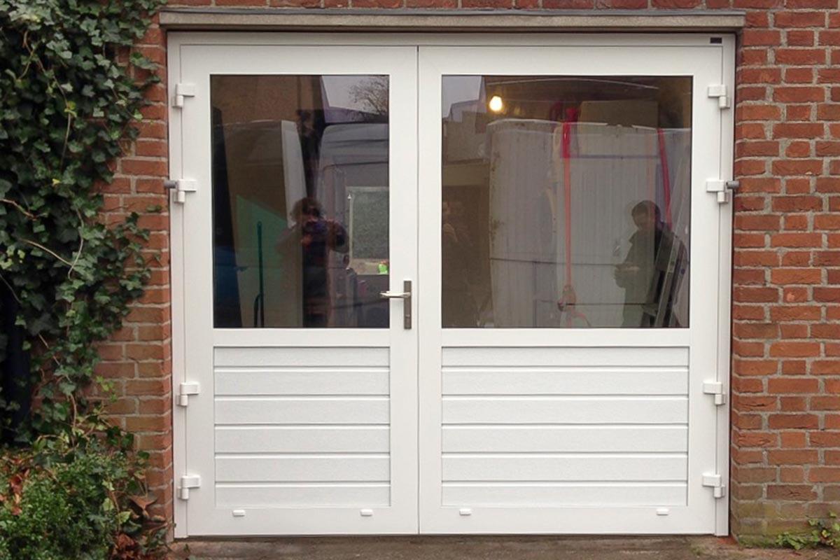 openslaande-garagedeuren-a-symmetrisch-glas1
