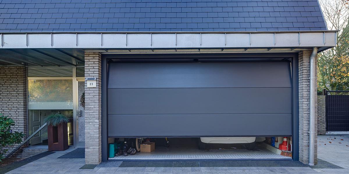 Moderne-elektrische-garagedeur-1