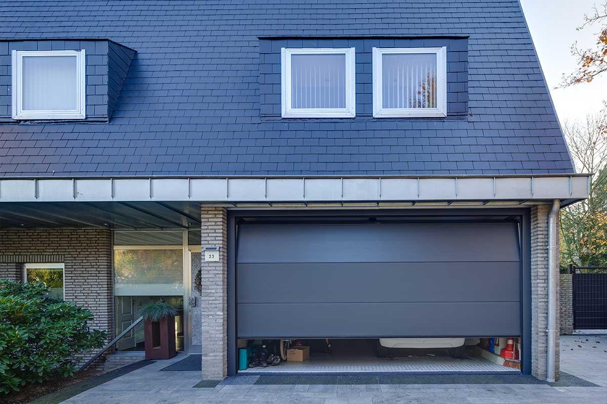 Moderne-elektrische-garagedeur-2
