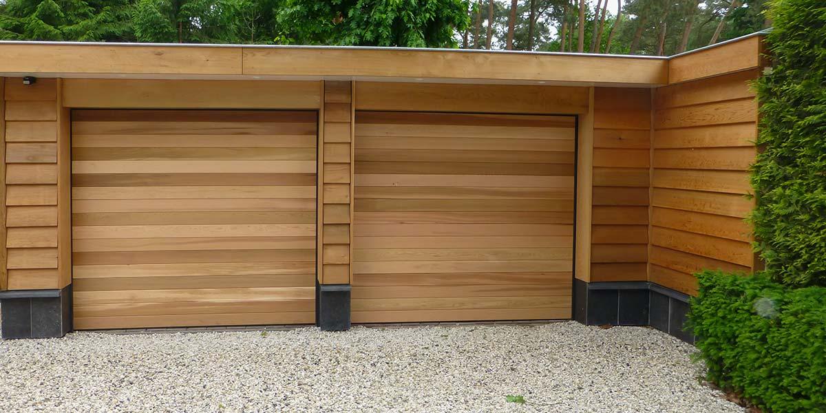 Twee-sectionaaldeuren-van-hout