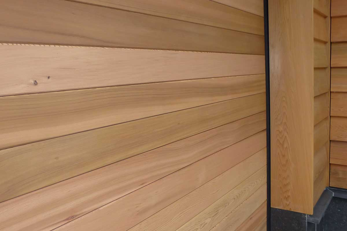 Twee-sectionaaldeuren-van-hout-4