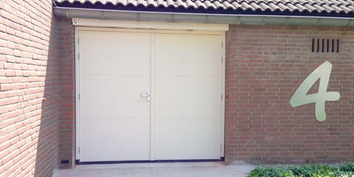 openslaande-garagedeur-hout-maas