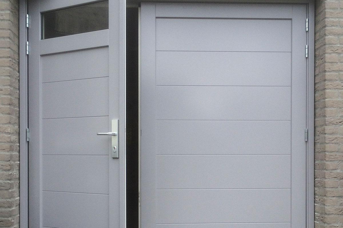 houten-openslaande-garagedeur-glas-a-symmetrisch-2