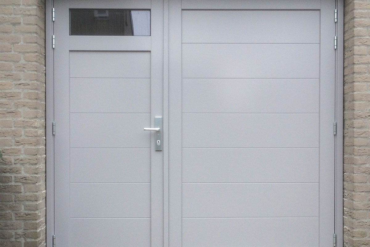 houten-openslaande-garagedeur-glas-a-symmetrisch-3