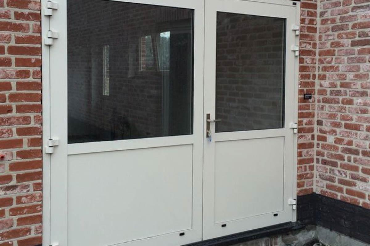 openslaand-garagedeur-vlakke-plaat-Hamme-BE