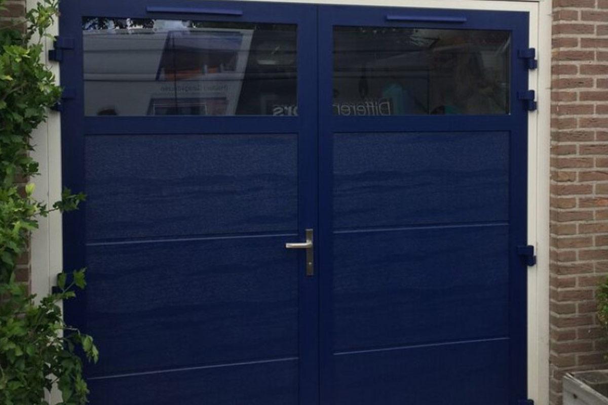 garage-deur-openslaand-glas-geisoleerd-blauw