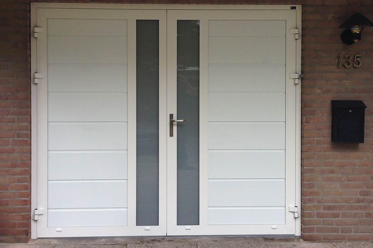 Spiksplinternieuw Openslaande garagedeur met verticaal melkglas » Vakkundig geplaatst TE-37
