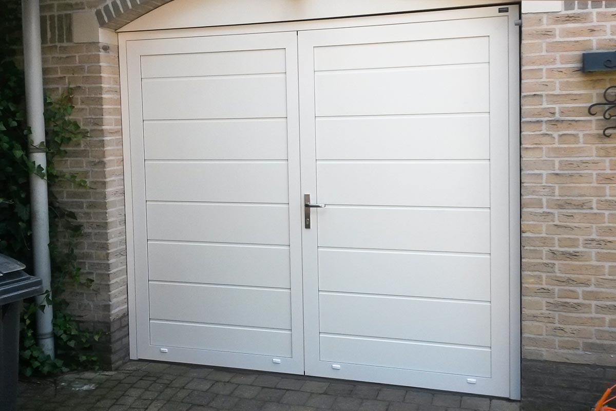 openslaande-garage-deuren-geisoleerd1