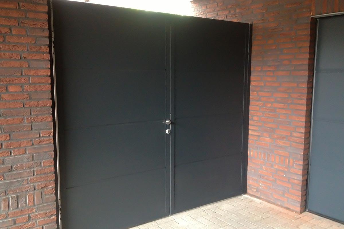 Openslaande poort Budel