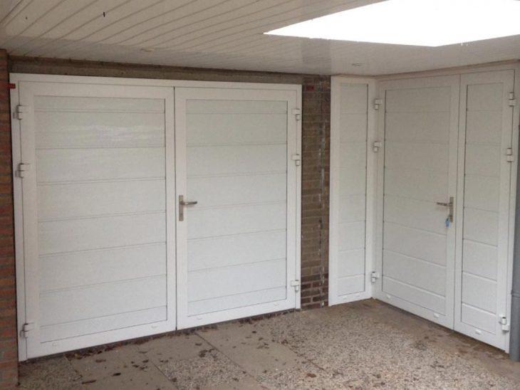 openslaande garagedeur met loopdeur