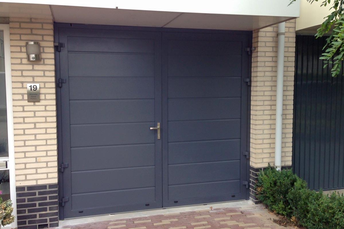 Kunststof openslaande deuren RAL-7015 blauw