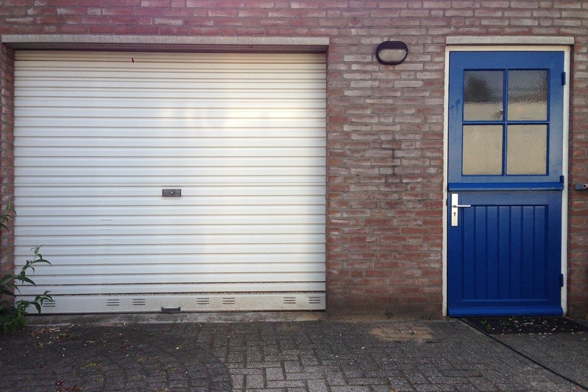 Oude garagedeur