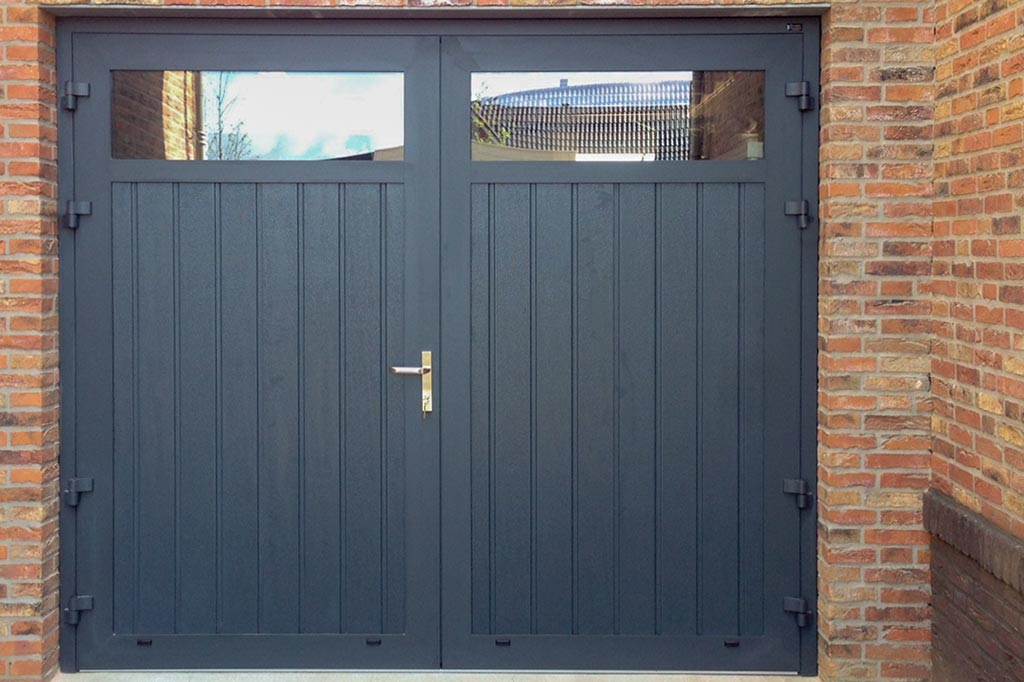 Openslaande Deuren Tweedehands : Garagedeuren voordeuren op maat jaar garantie
