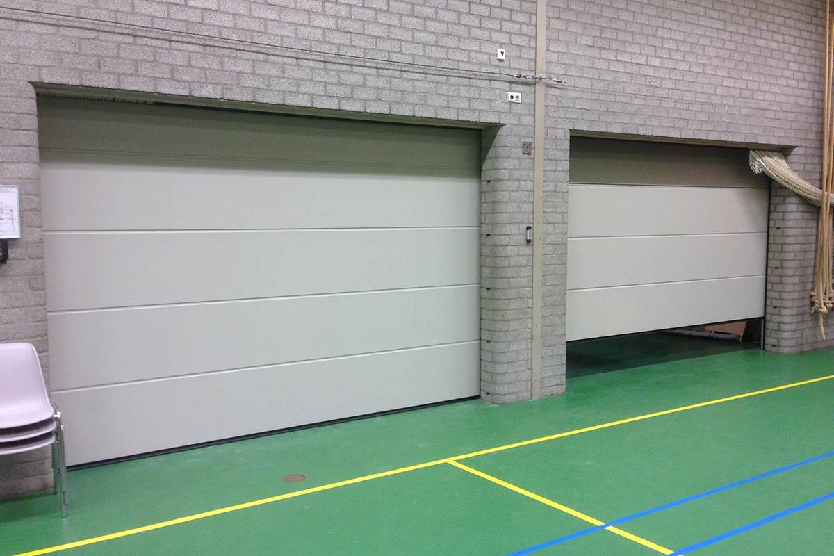 sectionaaldeur-met-vlakke-profilering1