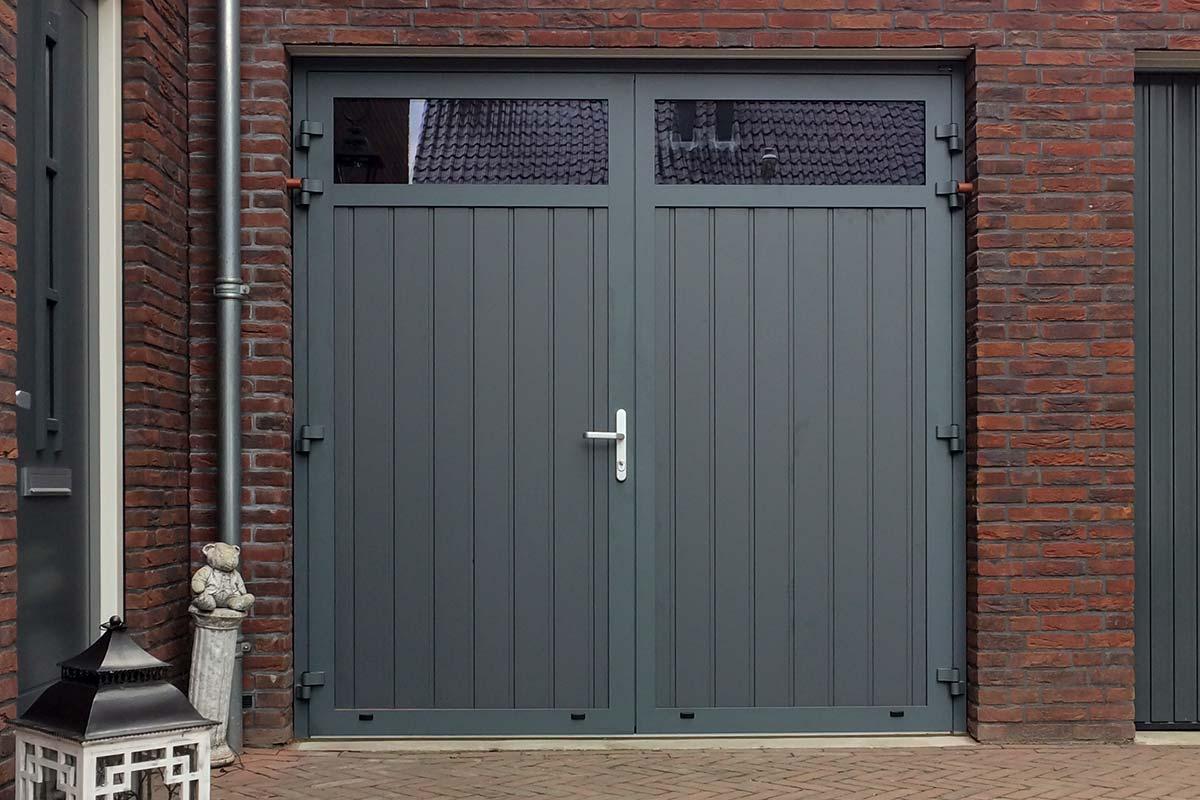 Onderhoudsarme-openslaande-garagedeur-9