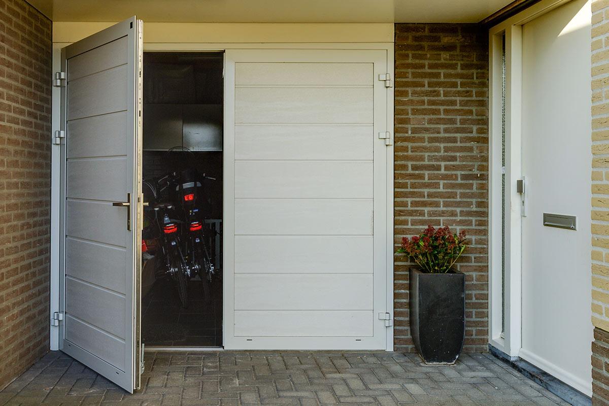 Openslaande Deuren Kosten : De mooiste openslaande garagedeuren vakkundige montage kwaliteit