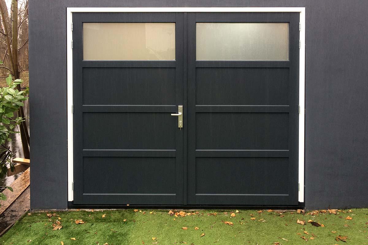 houten-openslaande-garagedeur-4-vlaks-verdeling-1