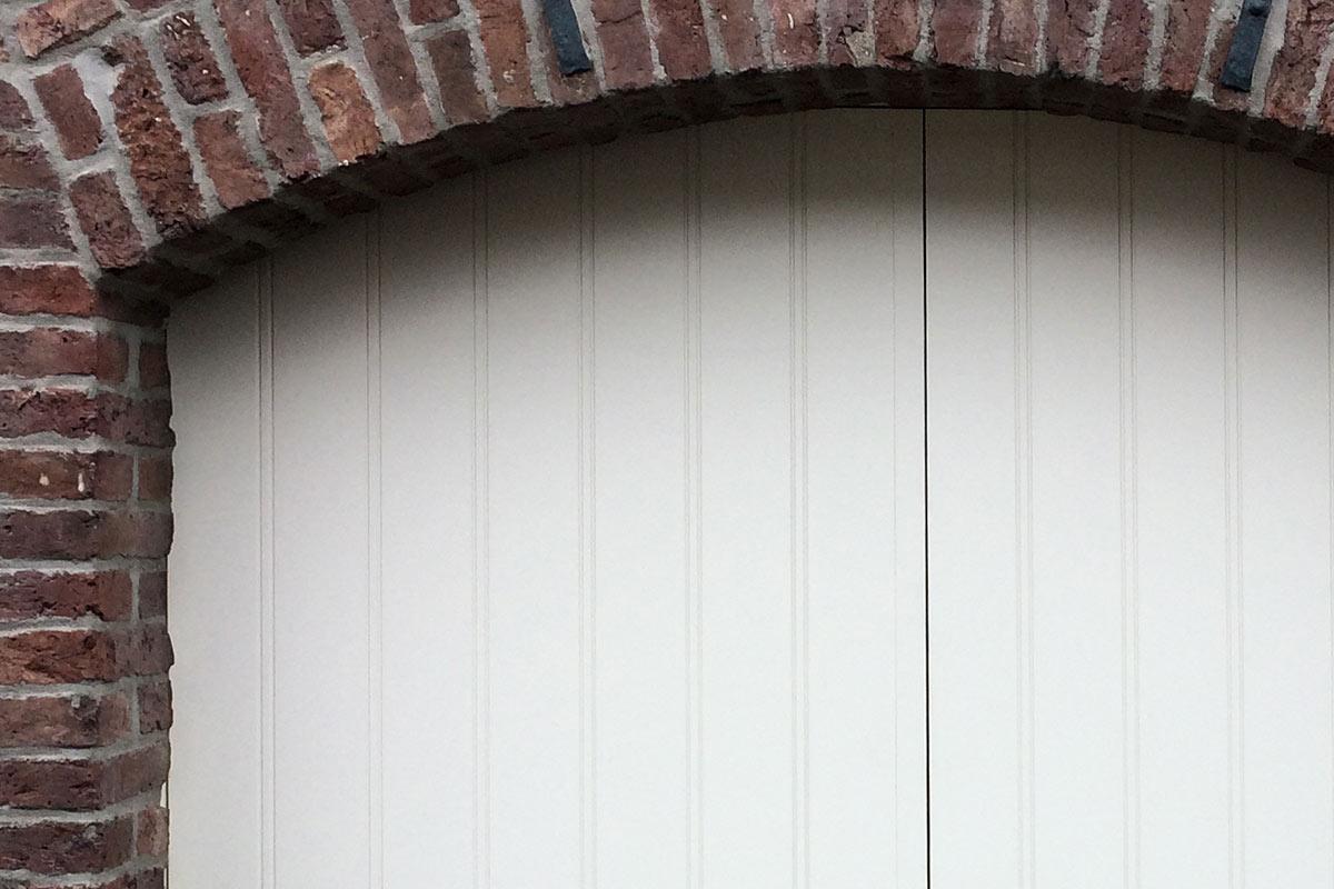 getoogde-openslaande-garagedeur-wit-2