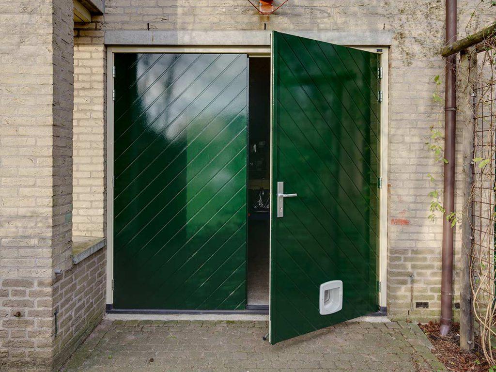Visgraat houten openslaande garagedeur