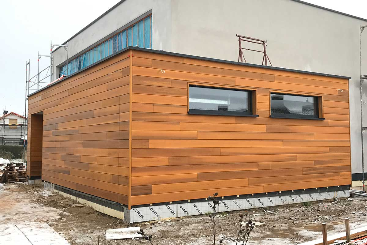 houten-gevel-bekleding-en-sectionaaldeur