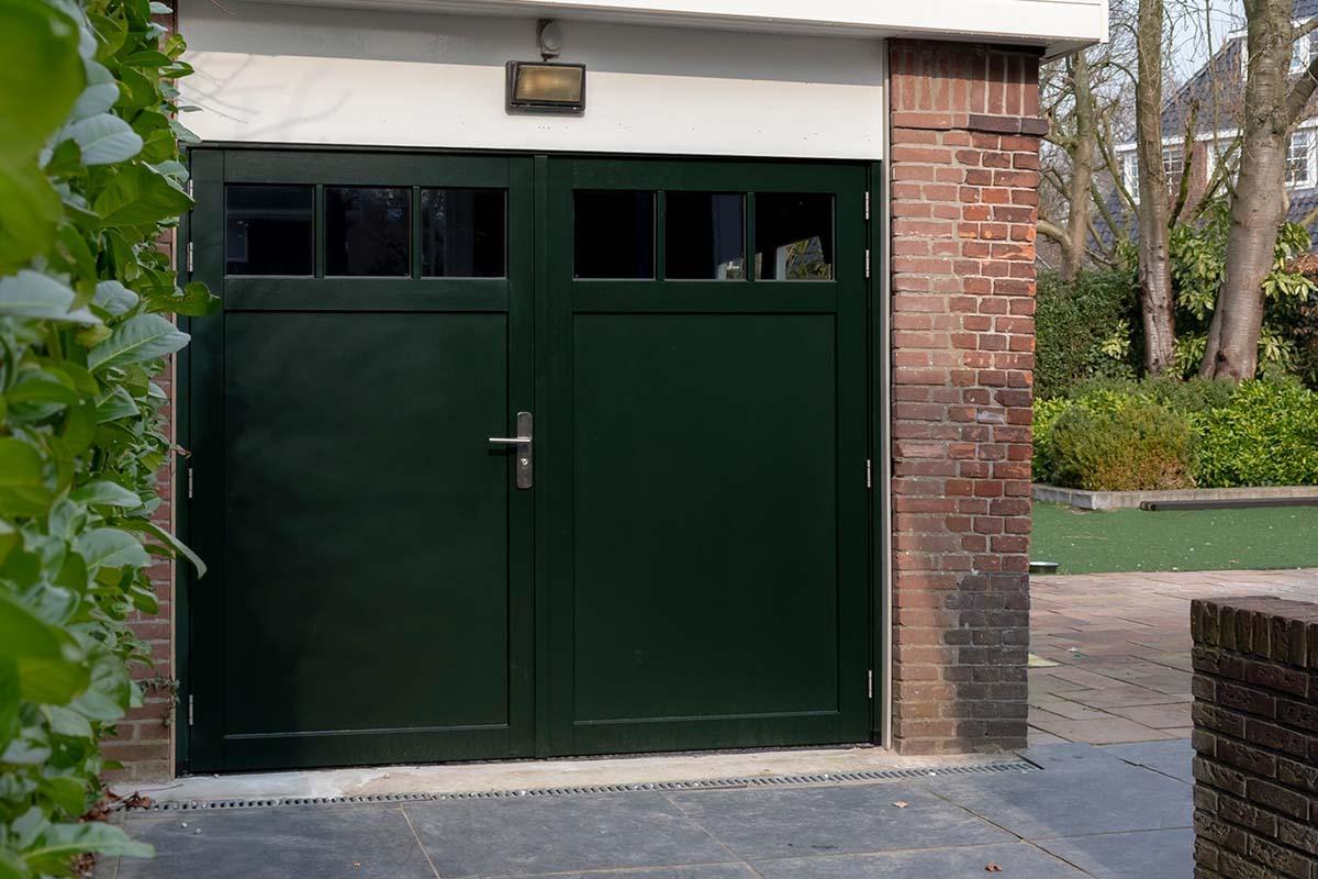 houten-openslaande-garagedeur-met-raampjes_0008