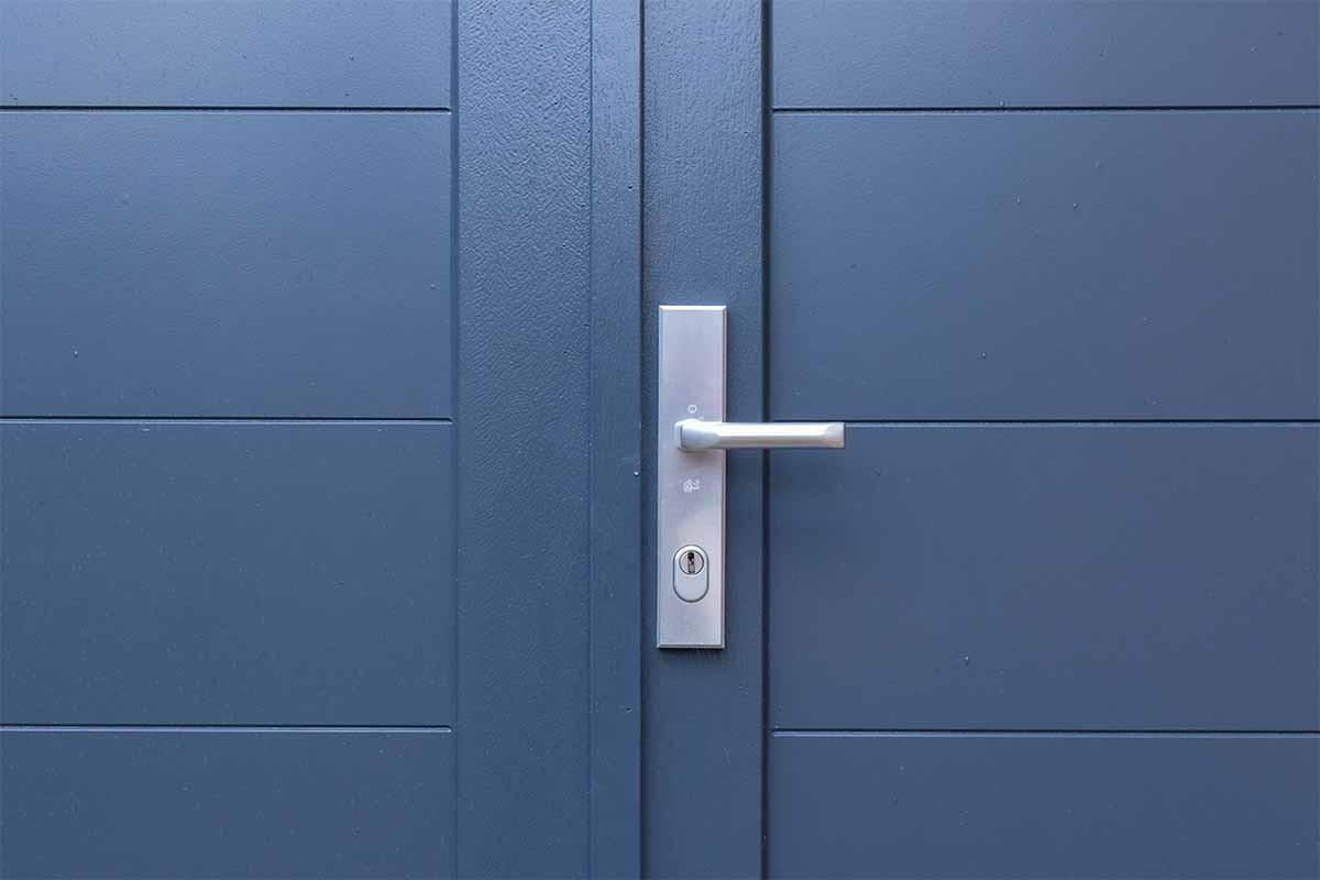 houten-openslaande-garagedeur-grijs-blauw_0009