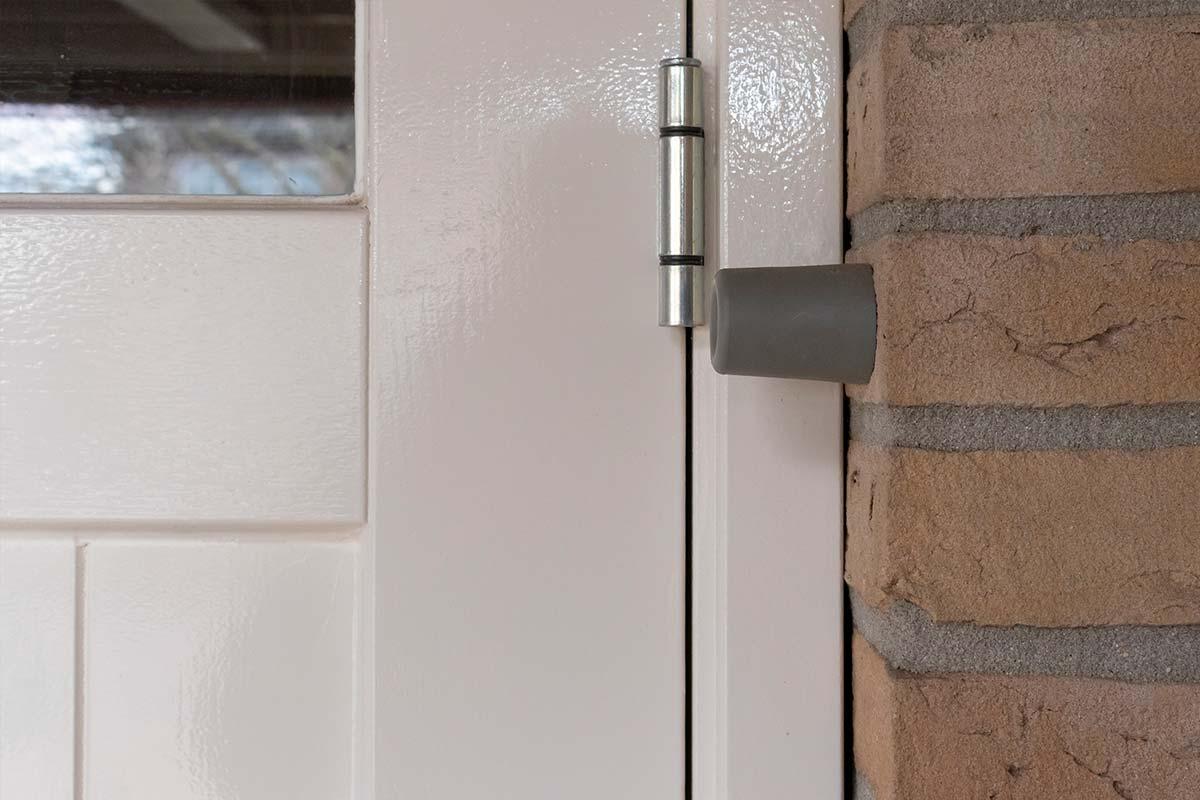 houten-garagedeur-wit-openslaand