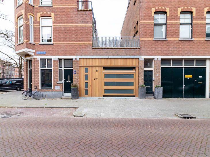 houten sectionaaldeur met glas