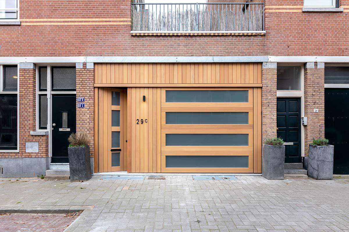 houten-sectionaaldeur-iroko