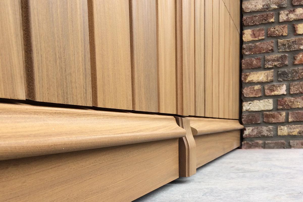 verticale-sectionaalpoort-hout