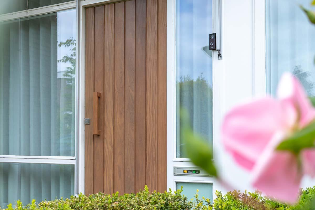 voordeur hout verticaal profiel
