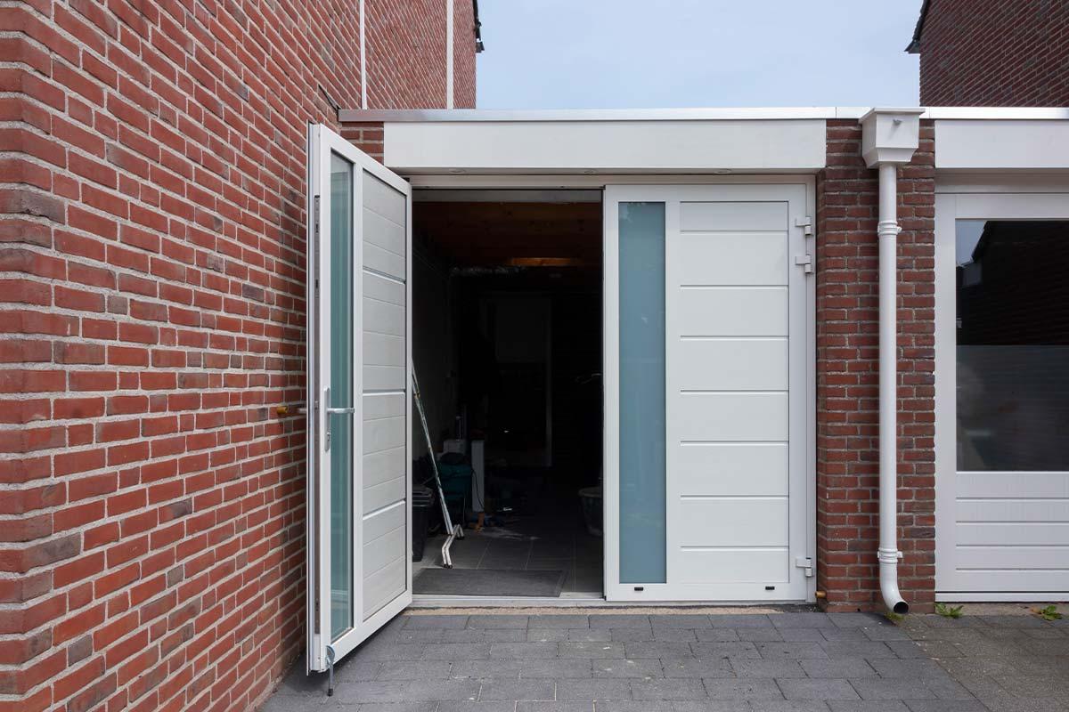 openslaande-garagedeur-wit