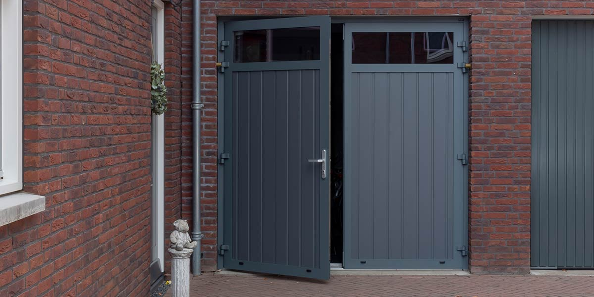 Openslaande garagedeur onderhoudsvrij