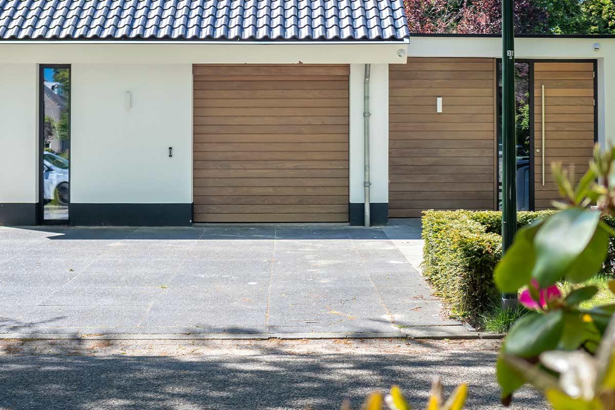 houten-gevelbekleding-en-voordeur