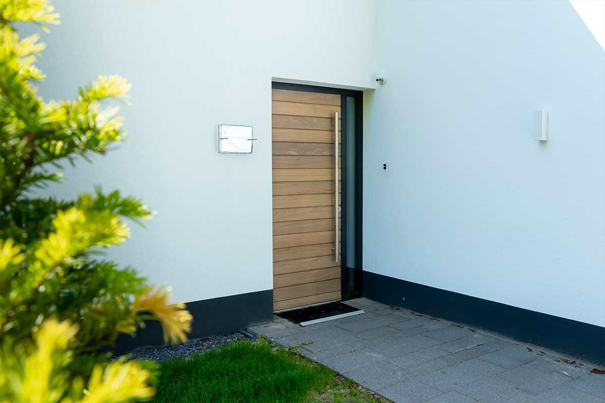 hardhouten voordeur