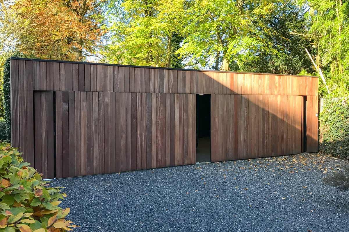 zijwaartse-houten-garagedeur-3