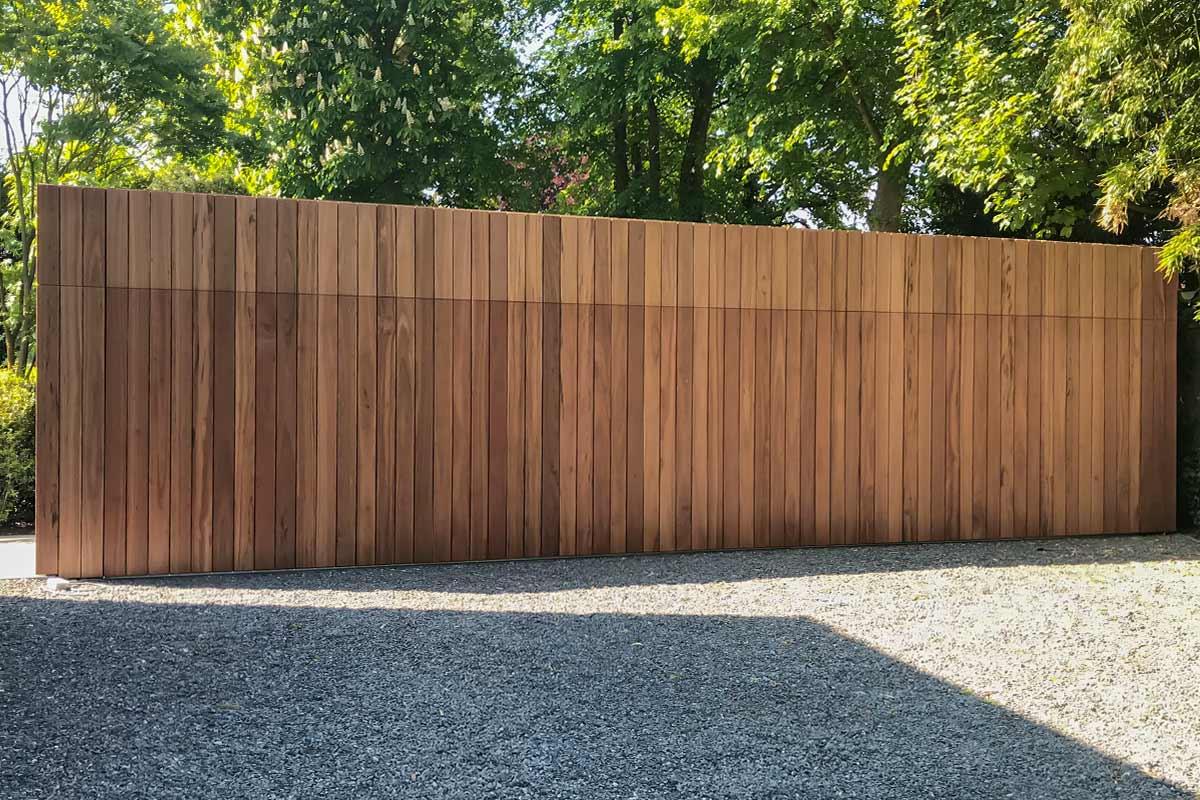 zijwaartse-houten-garagedeur-different-doors-6