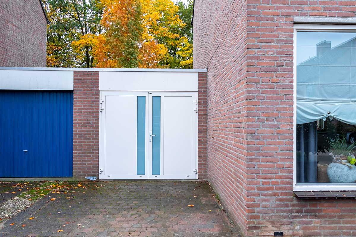 openslaande-garagedeur-en-voordeur (8)