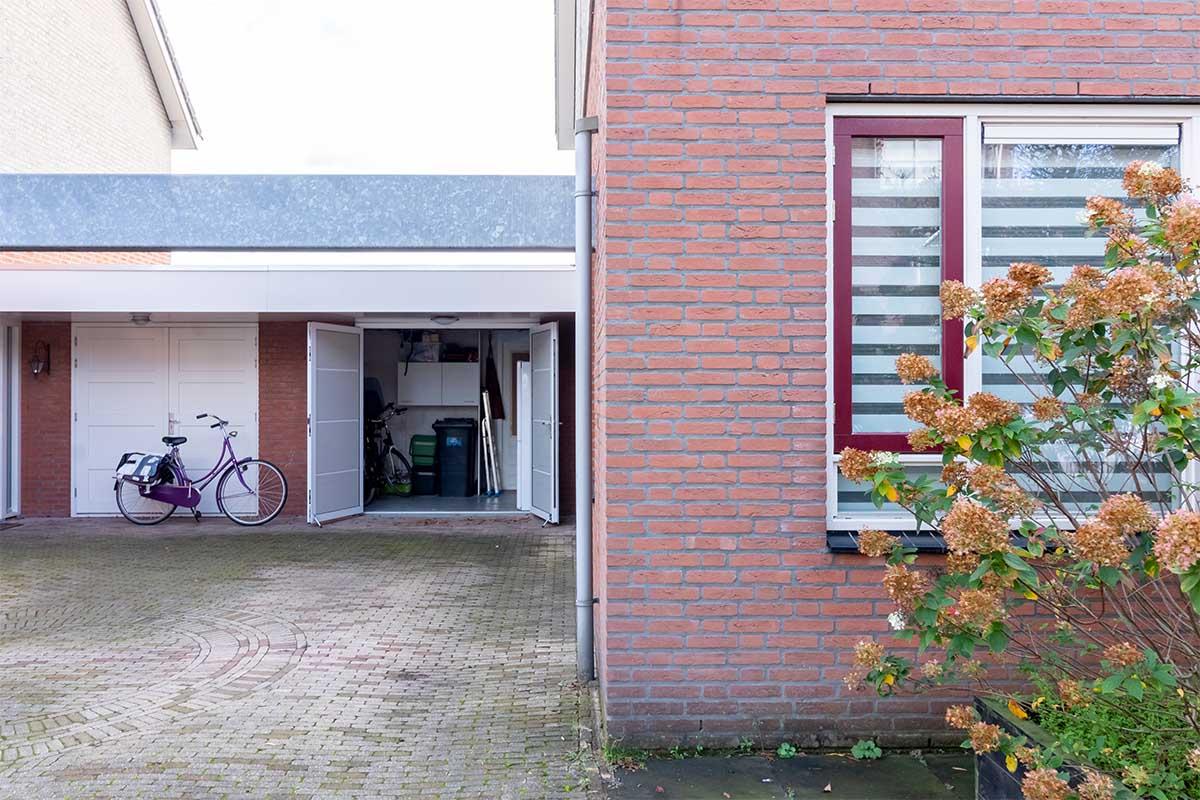standaard witte openslaande garagedeur (3)