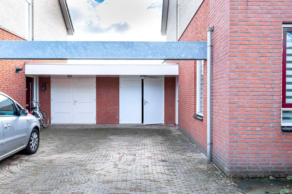 standaard witte openslaande garagedeur (5)