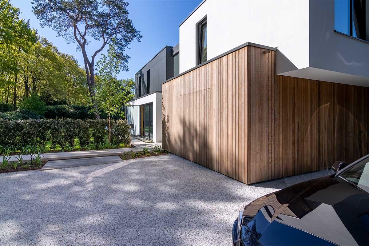 houten garagedeur moderne villa (14)