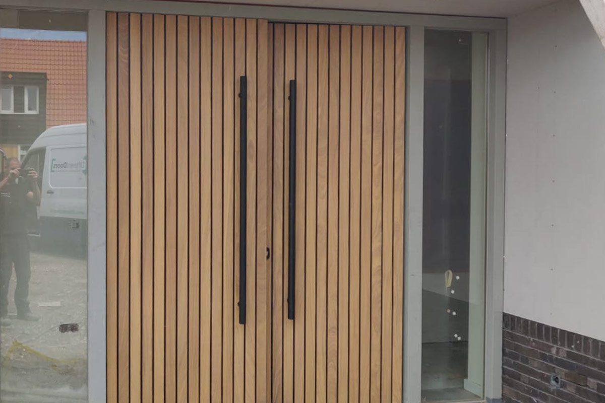 dubbele-houten-voordeur-latten