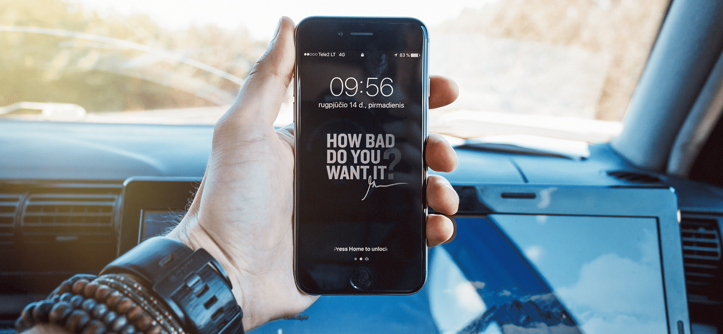 Phone with a Gary Vaynerchuck quote on it